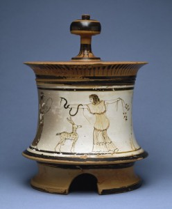 pyxis with maenads