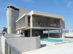 Roof_level_of_Unite_d'Habitation,_Marseille